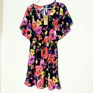 · Bold Floral Dress ·